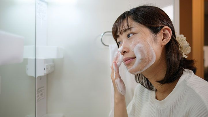 Softly Clean Your Face - Daily skin care routine at home